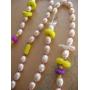 ビーズ刺繍のネックレス