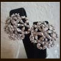 MONET シルバートンメタルのお花のイヤリング